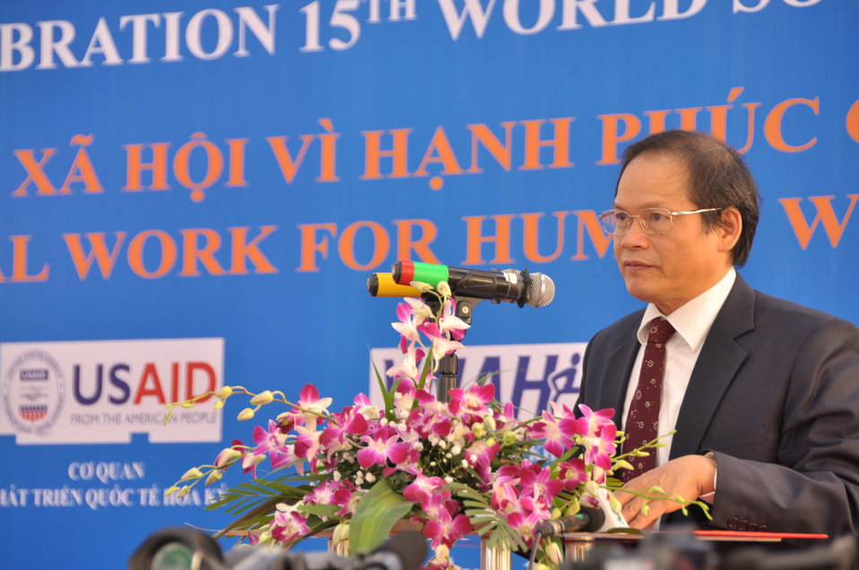 Prof., Dr. Nguyễn Văn Khánh, Rector of University of Social Sciences and Humanities, speaks at the Social Work Day event in Hanoi