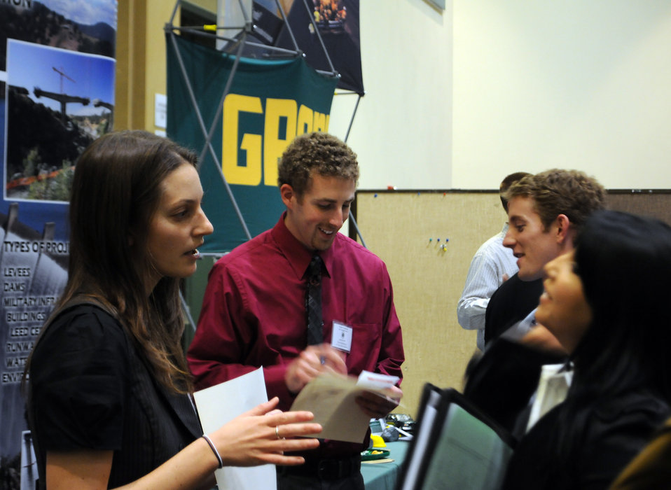 Corps talks jobs to engineering students