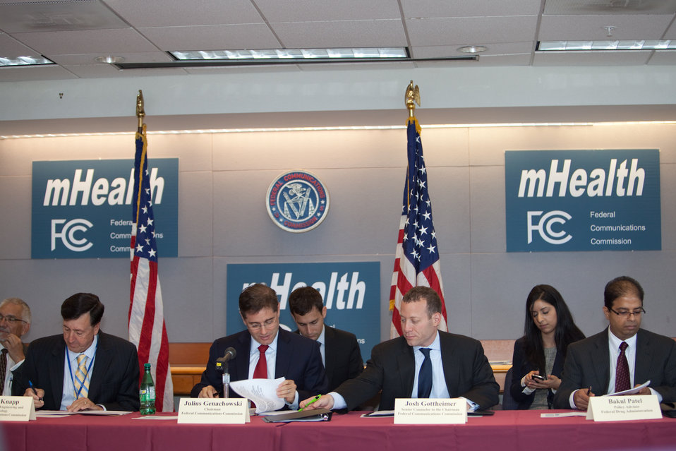 FCC Chairman and mHealth Attendees