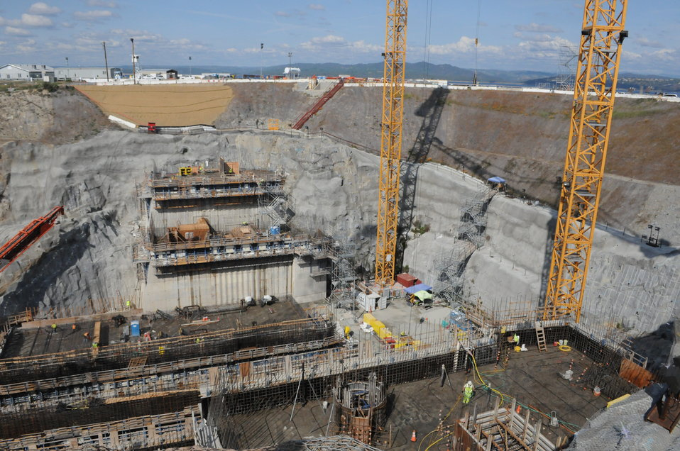 Rising control structure at Folsom Dam
