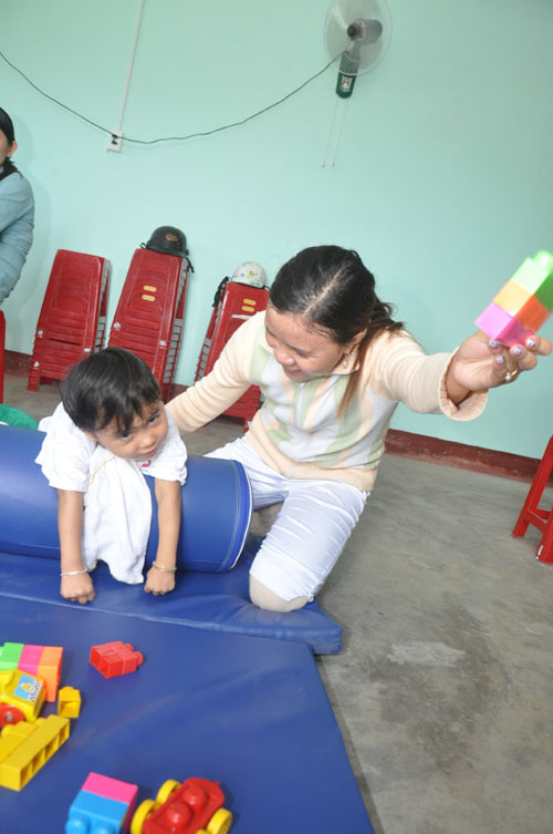 Community-based rehabilitation at Hoa Hiep Nam Ward in Danang