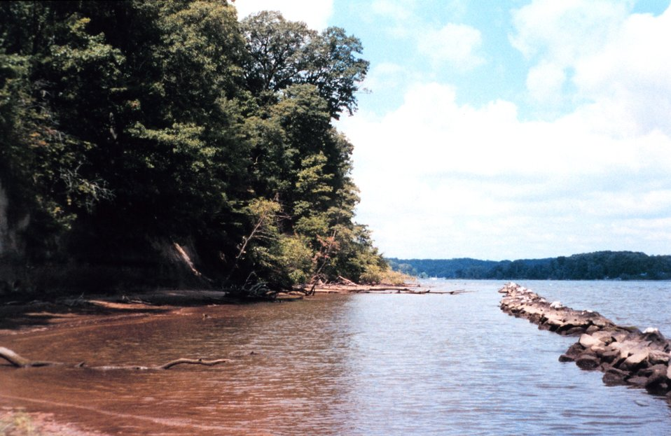 Efforts to preserve shoreline along the Severn River include installation of segmented jetties to diffuse wave energy.