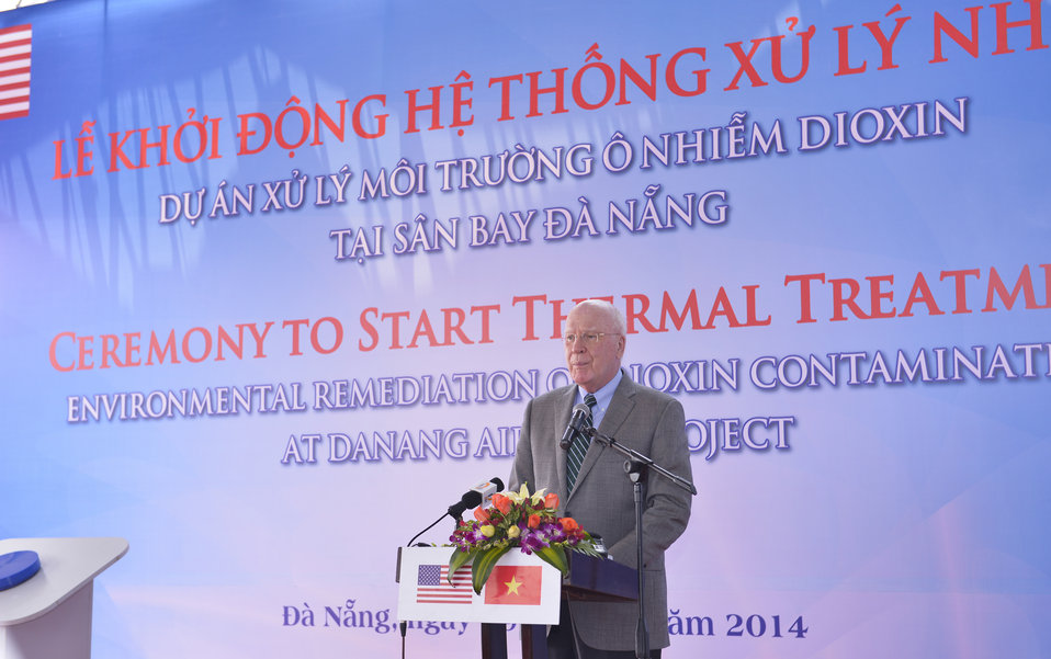 Senator Patrick Leahy speaks at the ceremony to turn on treatment system at Danang Airport