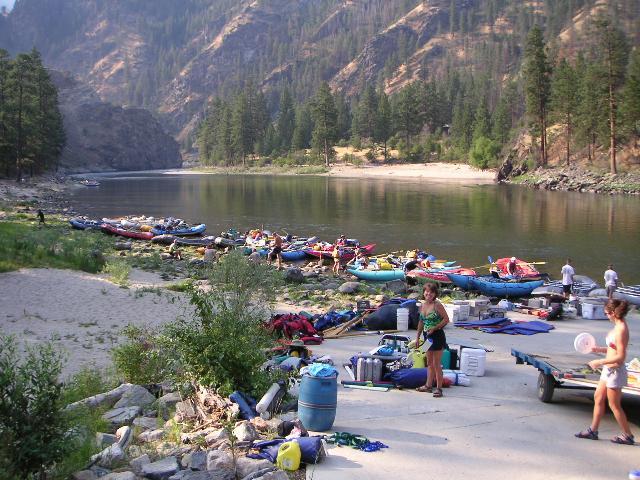 Camping Main Salmon