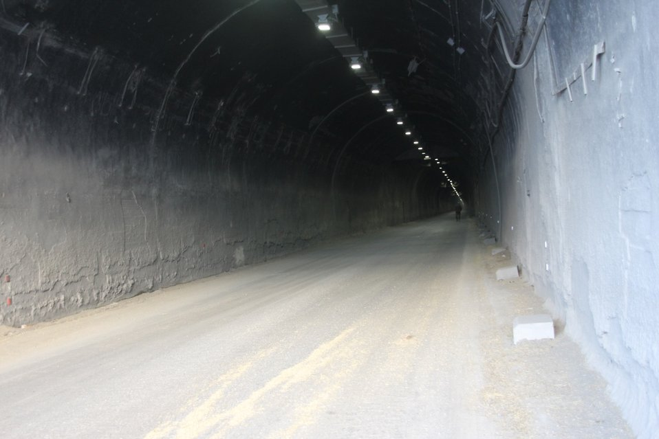 Lights in the Salang tunnel are working (November 25, 2013)