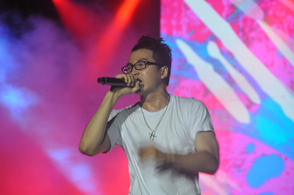 Karik performs at MTV EXIT concert against human trafficking and exploitation
