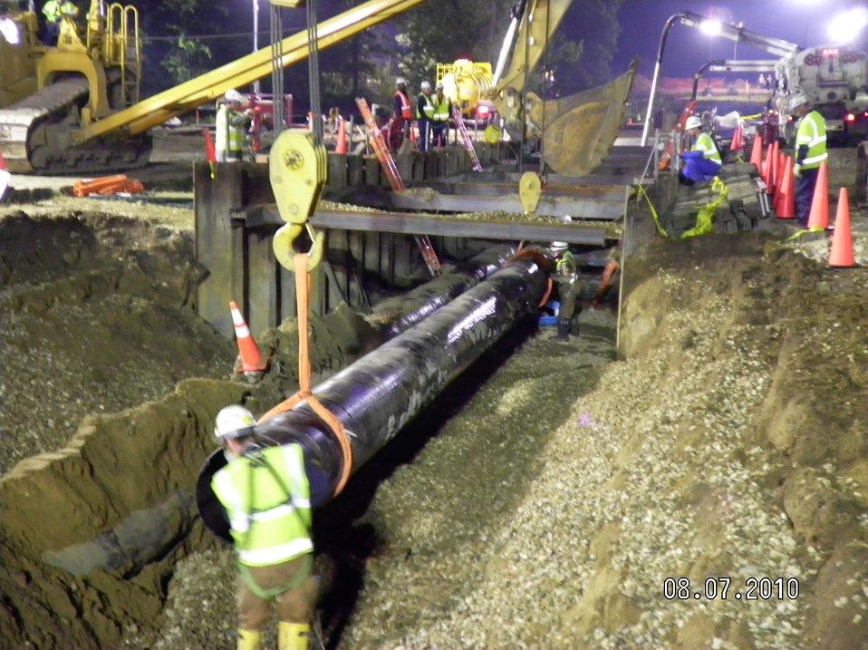Lifting pipe - Enbridge Oil spill pipeline