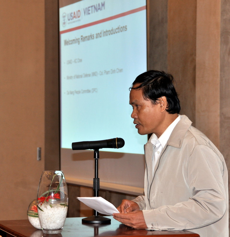 Mr. Nguyen Dinh Anh, vice director of the Danang Department of Natural Resources and Environment, Addresses the Danang Stakeholder Meeting