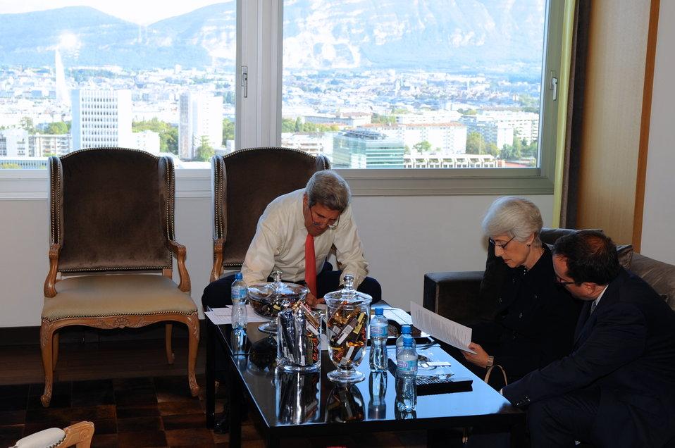 Secretary Kerry, Undersecretary Sherman Work on Draft Agreement