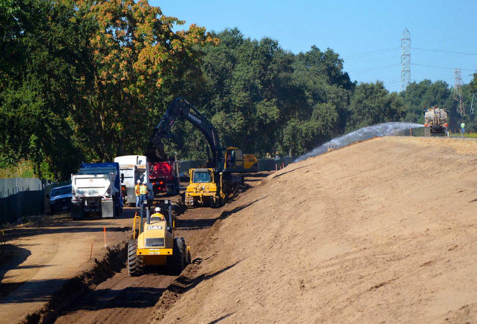 Howe Avenue levee raise project continues Aug. 28, 2012