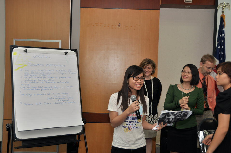 Vietnamese university students join the Business Plan Mashup exercise
