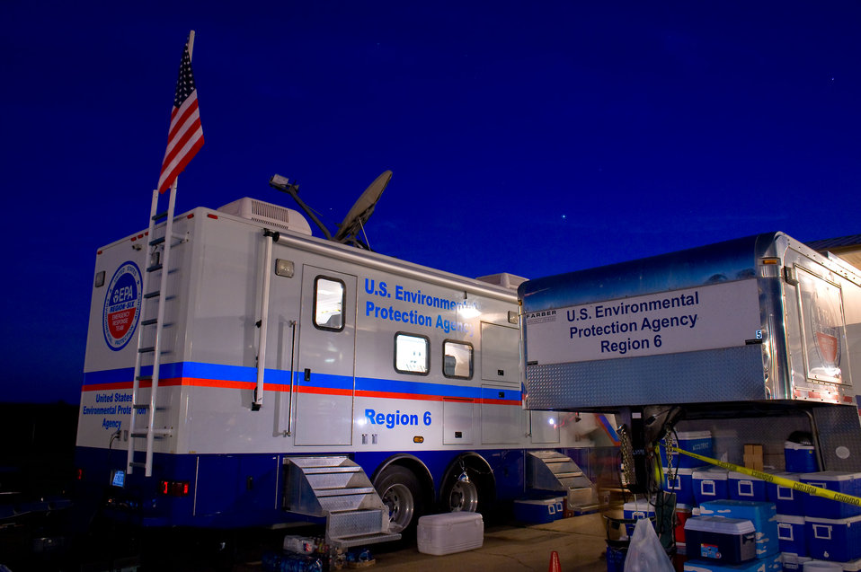 EPA Mobile Command Post keeps tabs on monitoring and sampling efforts in the field.