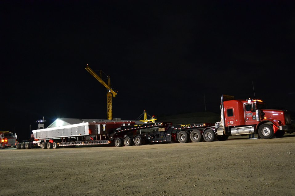 First giant gate arrives for Folsom Dam auxiliary spillway