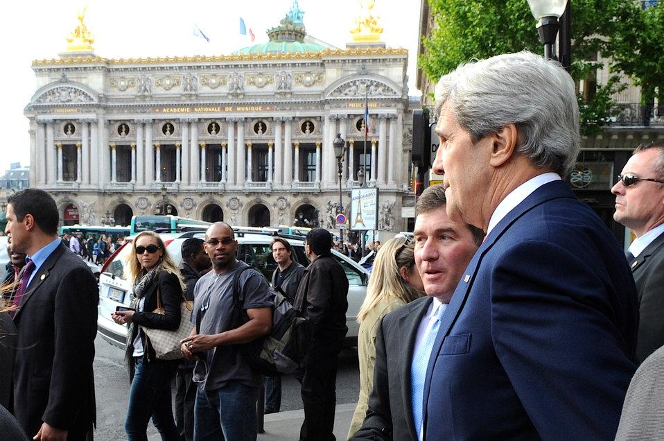 Secretary Kerry and Ambassador Rivkin in Paris