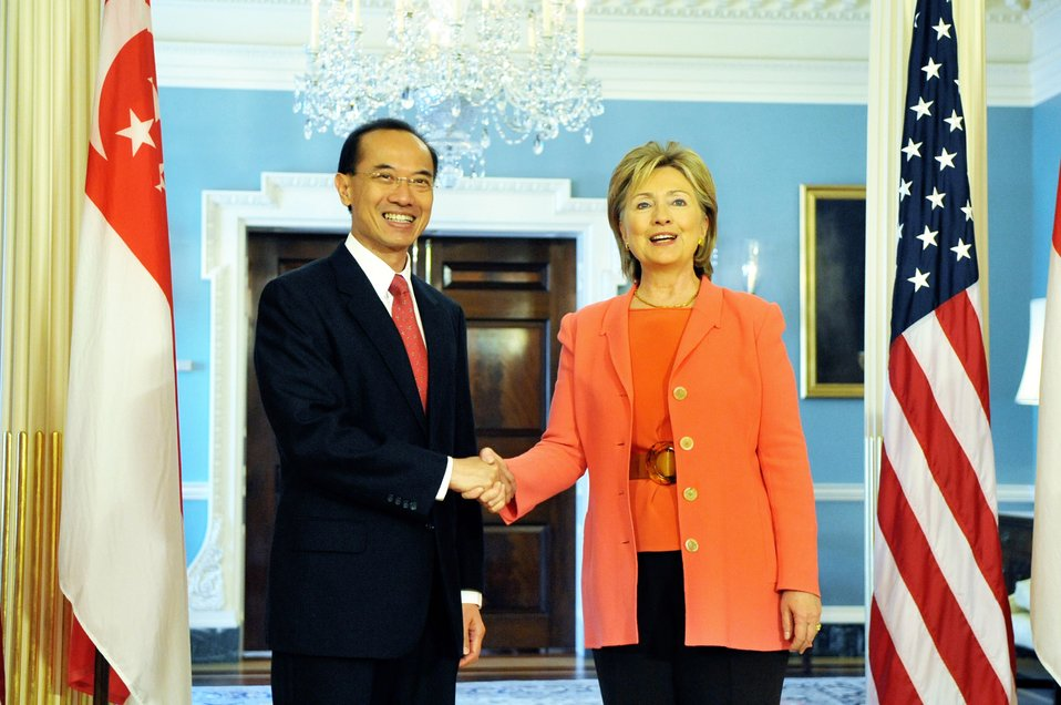 Secretary Clinton Meets With Singapore Foreign Minister