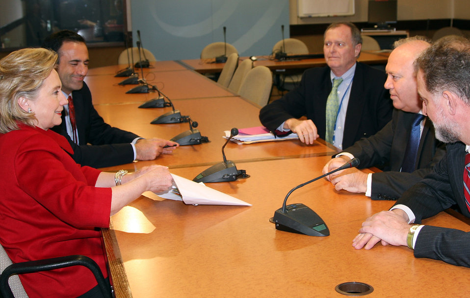 Secretary Clinton Meets With Spanish Foreign Minister