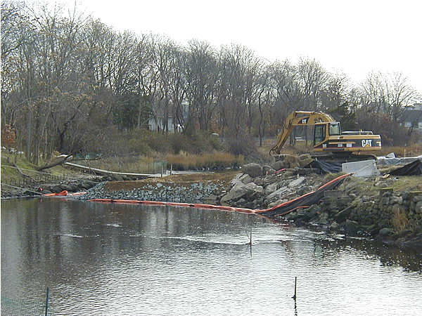February 2003, Construction of the northern dam