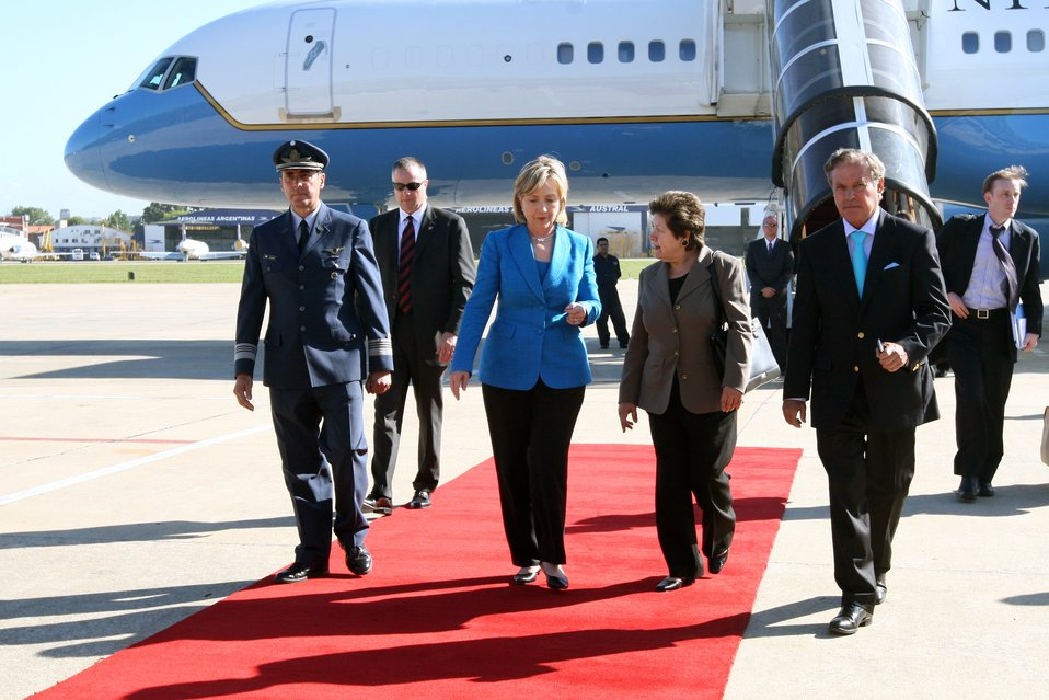 Secretary Clinton Wheels Down in Buenos Aires, Argentina