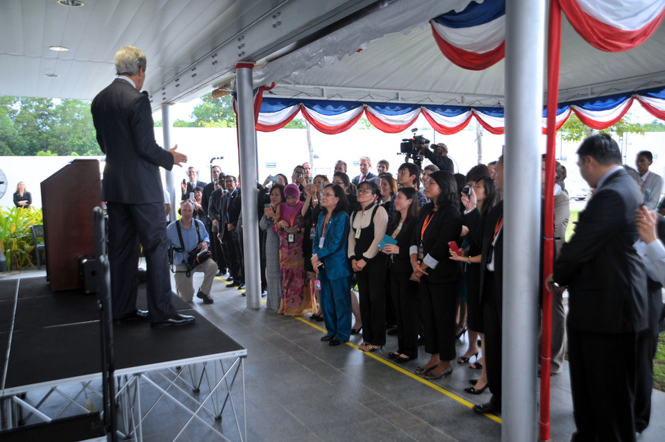 Secretary Kerry Addresses Embassy Bandar Seri Begawan Staff