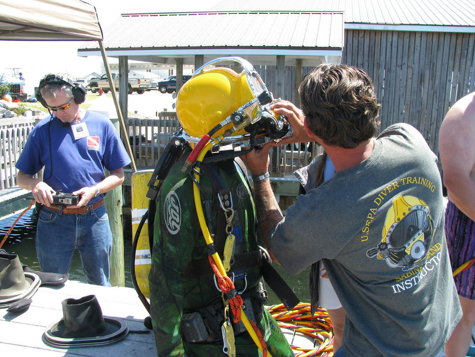 EPA dive students get familiar with surface supplied air