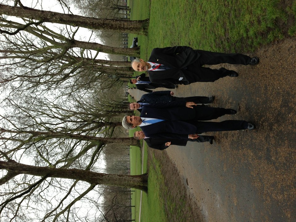 Secretary Kerry walks in Green Park with Deputy Chief of Staff William Danvers