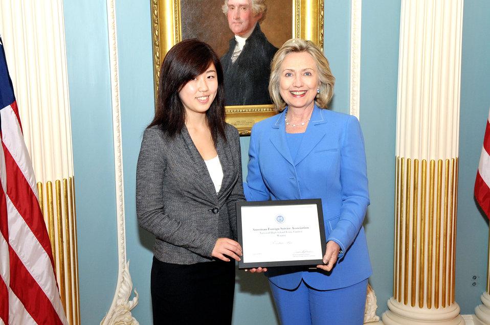 Secretary Clinton Meets With AFSA 2010 Essay Winner Bai