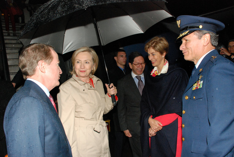 Secretary Clinton Arrives in Colombia