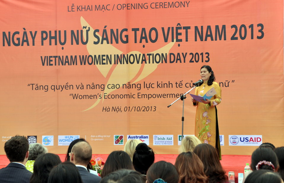 Vietnam Women's Union President Nguyen Thi Thanh Hoa addresses the launching ceremony of Vietnam Women Innovation Day 2013