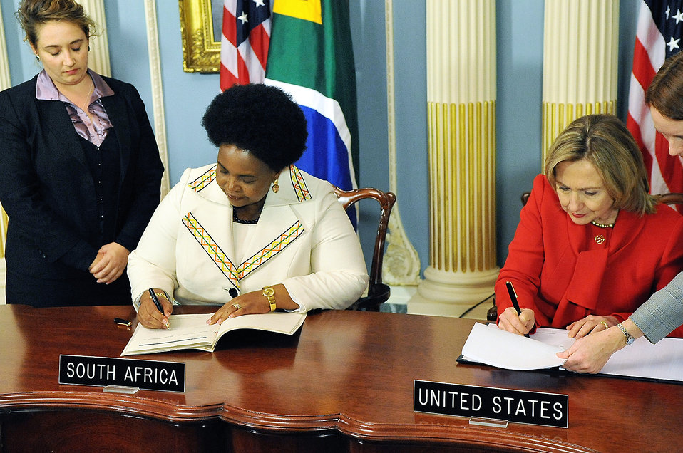 Secretary Clinton and South African Minister Maite Nkoana-Mashabane Sign the PEPFAR Agreement
