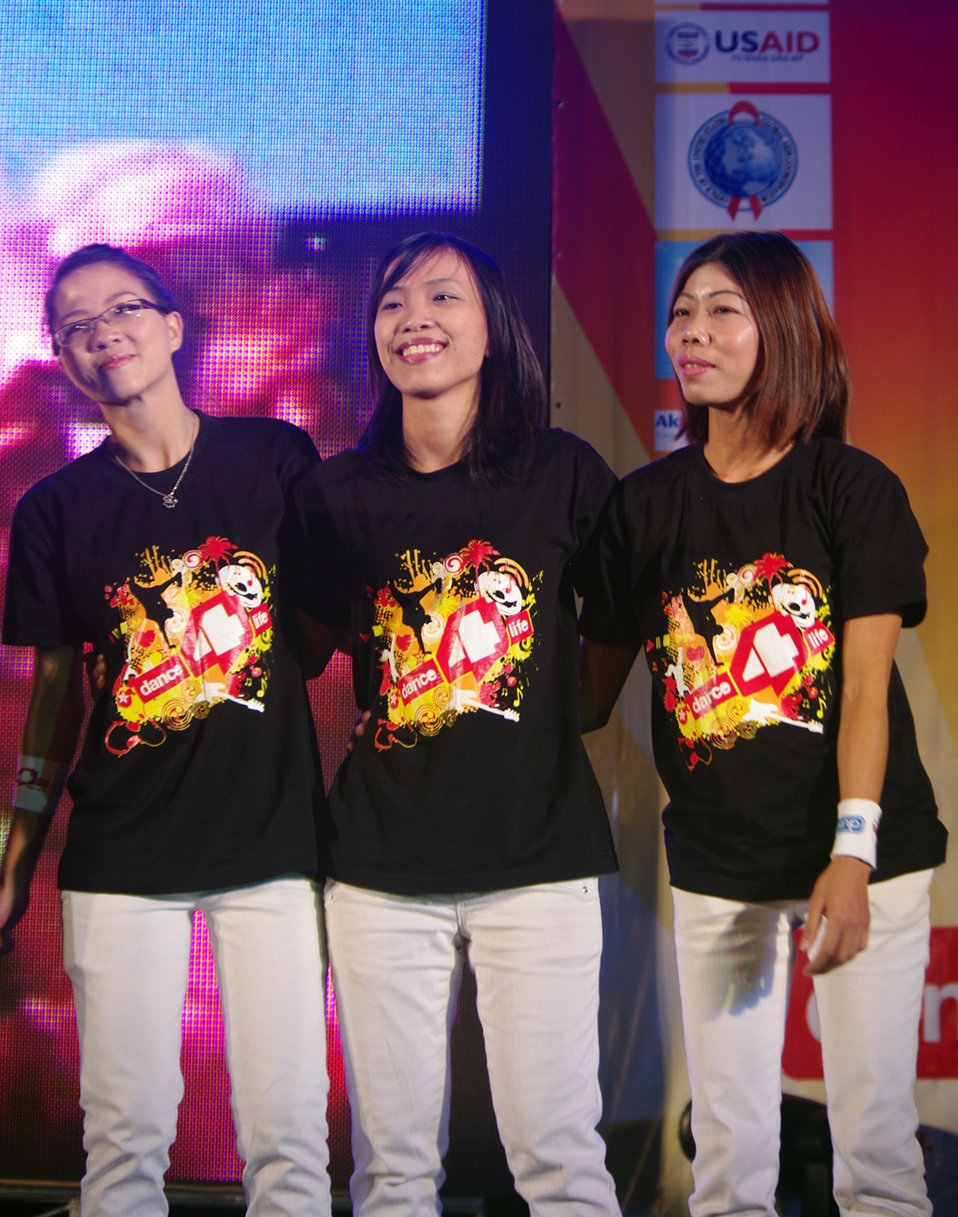 USAID supports dance4life to raise awareness of HIV and fight stigma in Vietnam RNyberg stage logo 1000