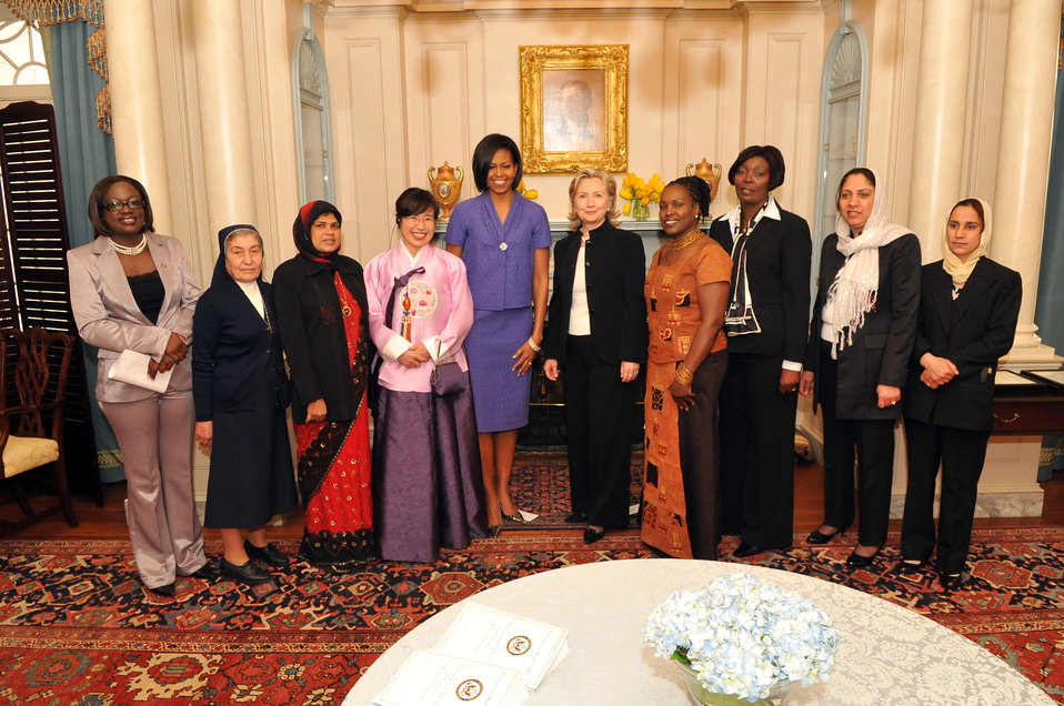 Secretary Clinton and First Lady Michelle Obama Stand With 2010 Honorees
