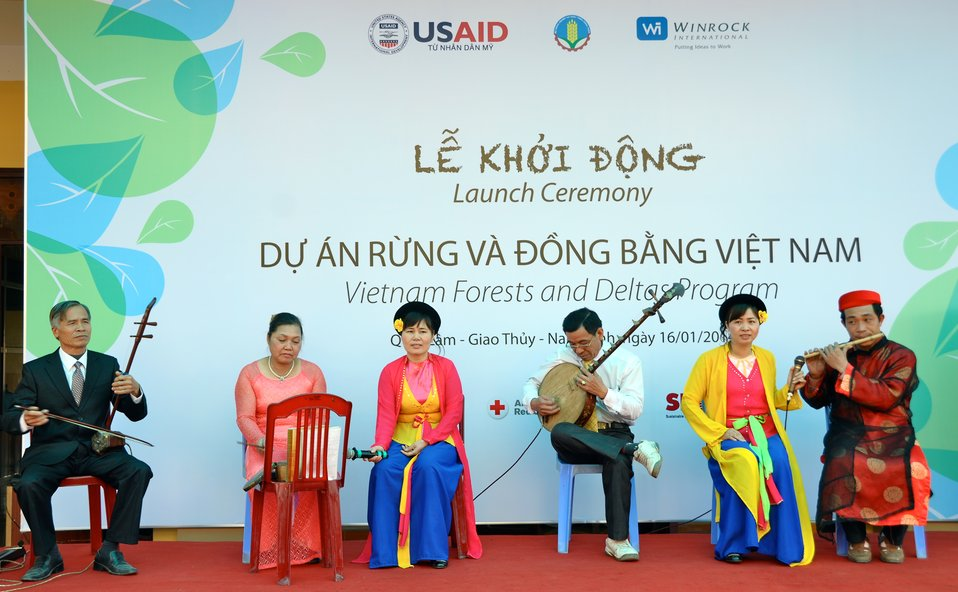 USAID launches the Vietnam Forests and Deltas project in Nam Dinh province.