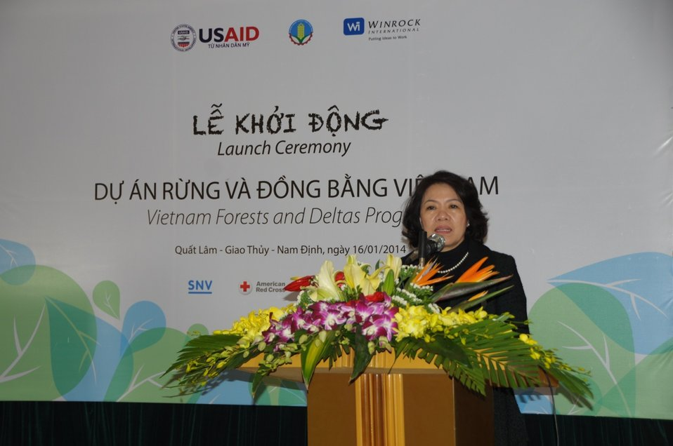 Mrs. Nguyen Thi Xuan Thu, Vice Minister of Agriculture and Rural Development, speaks at the launching event.