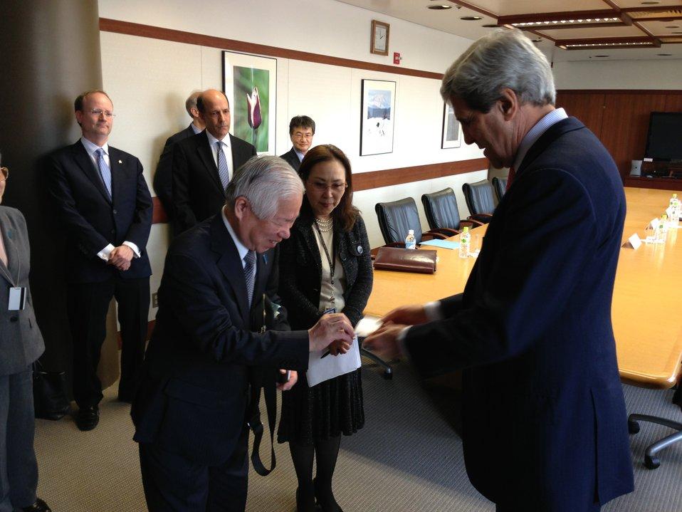 Secretary Kerry Meets Shigeru Yokota