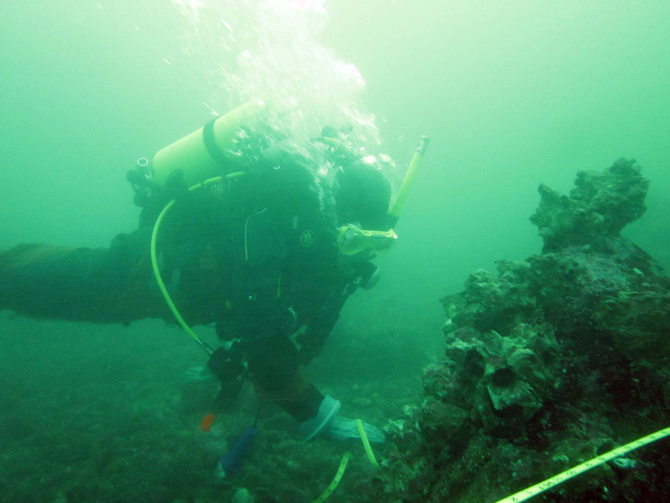 February 6, 2013 EPA Divers help with abandoned fishing gear in Puget Sound