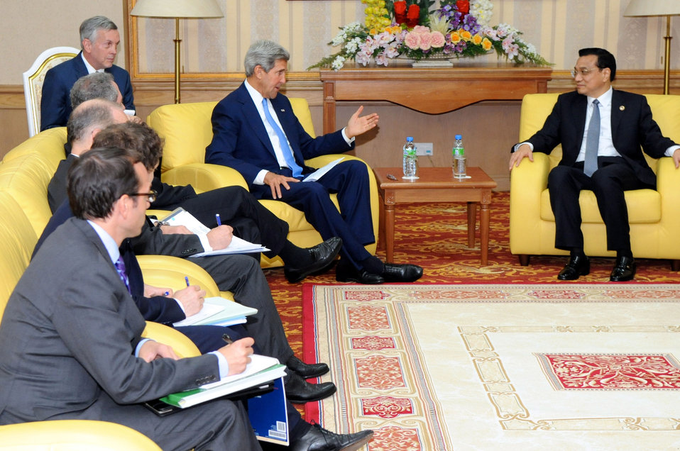 Secretary Kerry Meets With Chinese Premier Li