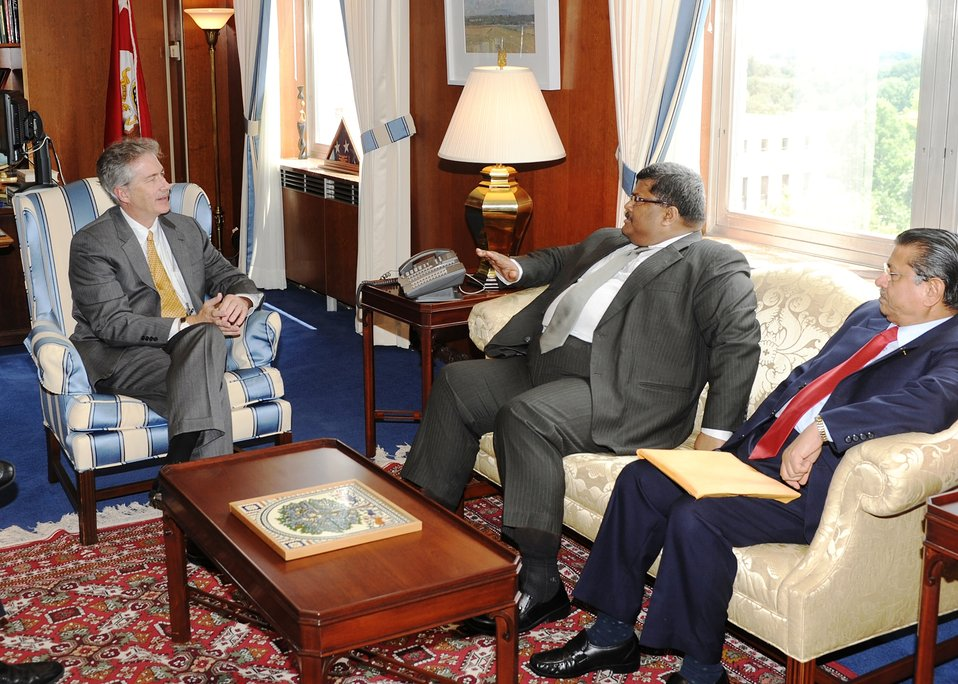 Under Secretary Burns Speaks With Bangladeshi Foreign Secretary Mijarul Quayes