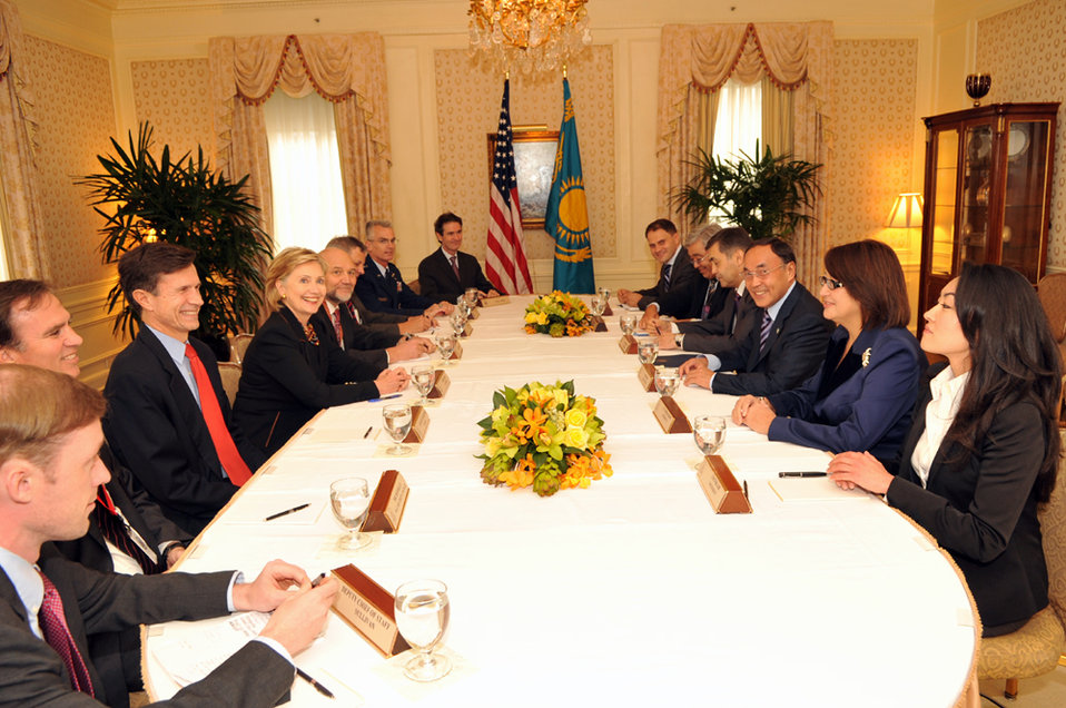UNGA 2009: Secretary Clinton Meets With Kazakhstani Foreign Minister