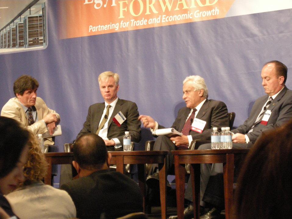 "Assistant Secretary Fernandez Moderates an Executive Roundtable at the USTDA's ""Egypt: Forward Forum"""
