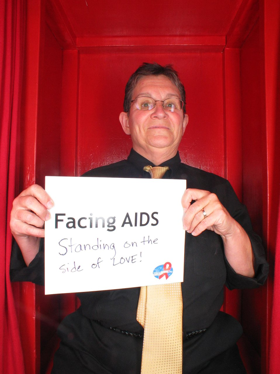 Facing AIDS standing on the side of love!