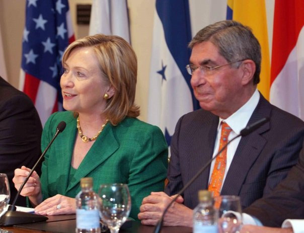 Secretary Clinton With Costa Rican President Oscar Arias