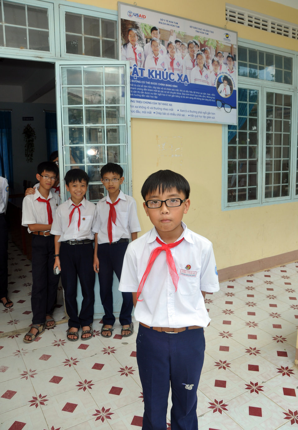 USAID and partners support eyecare, glasses, in Kon Tum