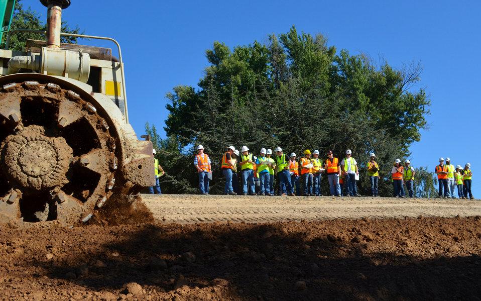 Sacramento State seniors study Howe Ave. levee raise project
