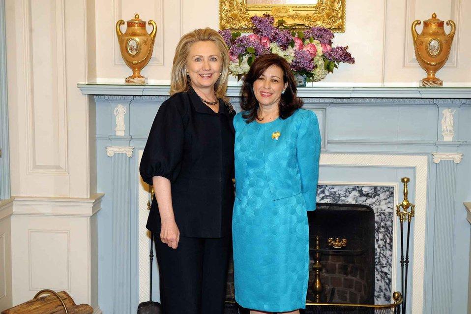 Secretary Clinton With Under Secretary Sonenshine