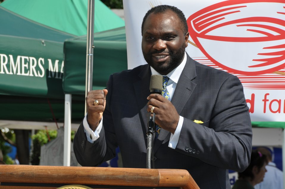 Williams at Feds Feed Families Kick-Off