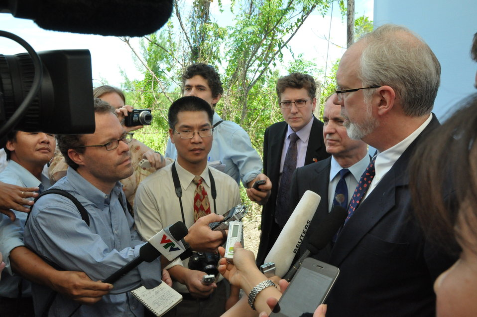 U.S. Ambassador David B. Shear meets the press at the Environmental Remediation of Dioxin Contamination at Danang Airport Project Launch