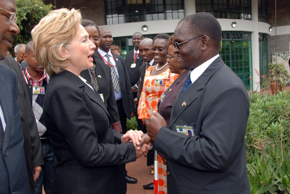 Secretary Clinton Attends Kenya Wreath Laying Ceremony