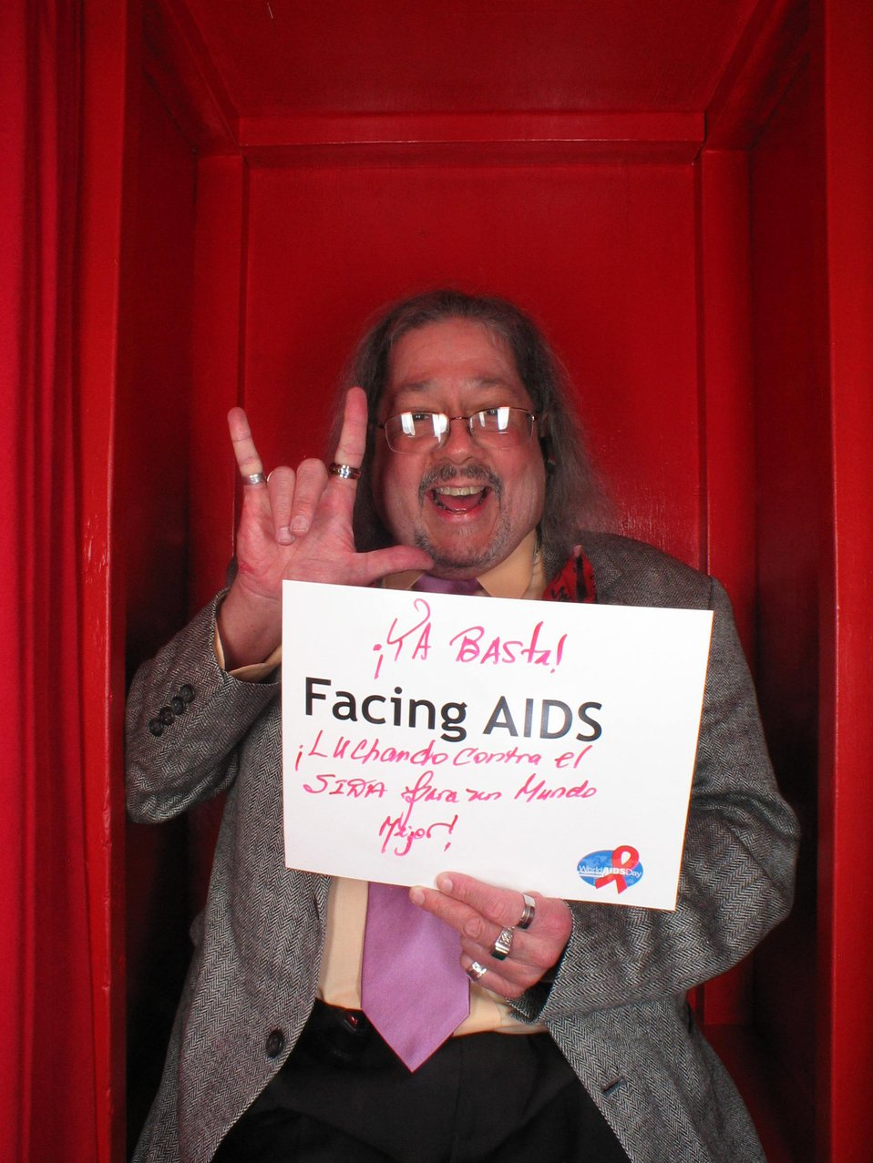 Ya Basta Facing AIDS luchando contra el SIDA para un Mundo mejor!