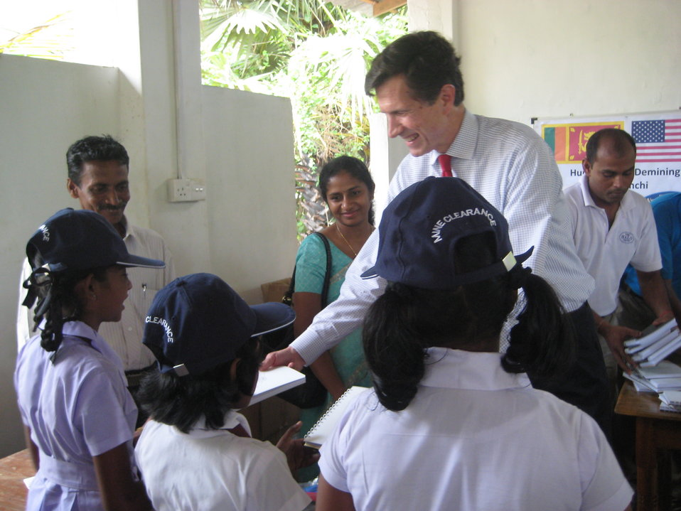 Assistant Secretary Blake Meets With Students in Sri Lanka