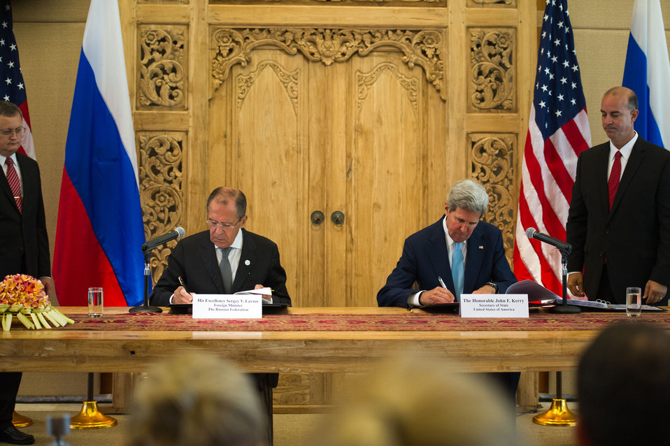 Secretary Kerry and Russian Foreign Minister Lavrov Sign the Nuclear Risk Reduction Centers Agreement